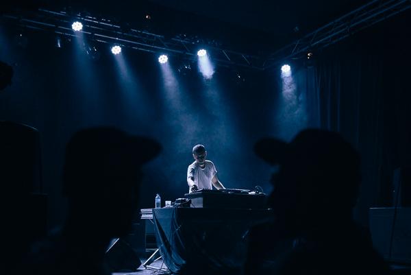 Reportage Photo par Franck Tourneret lors de la soirée de lancement du n°2 du magazine twlv. au Club à Rodez.