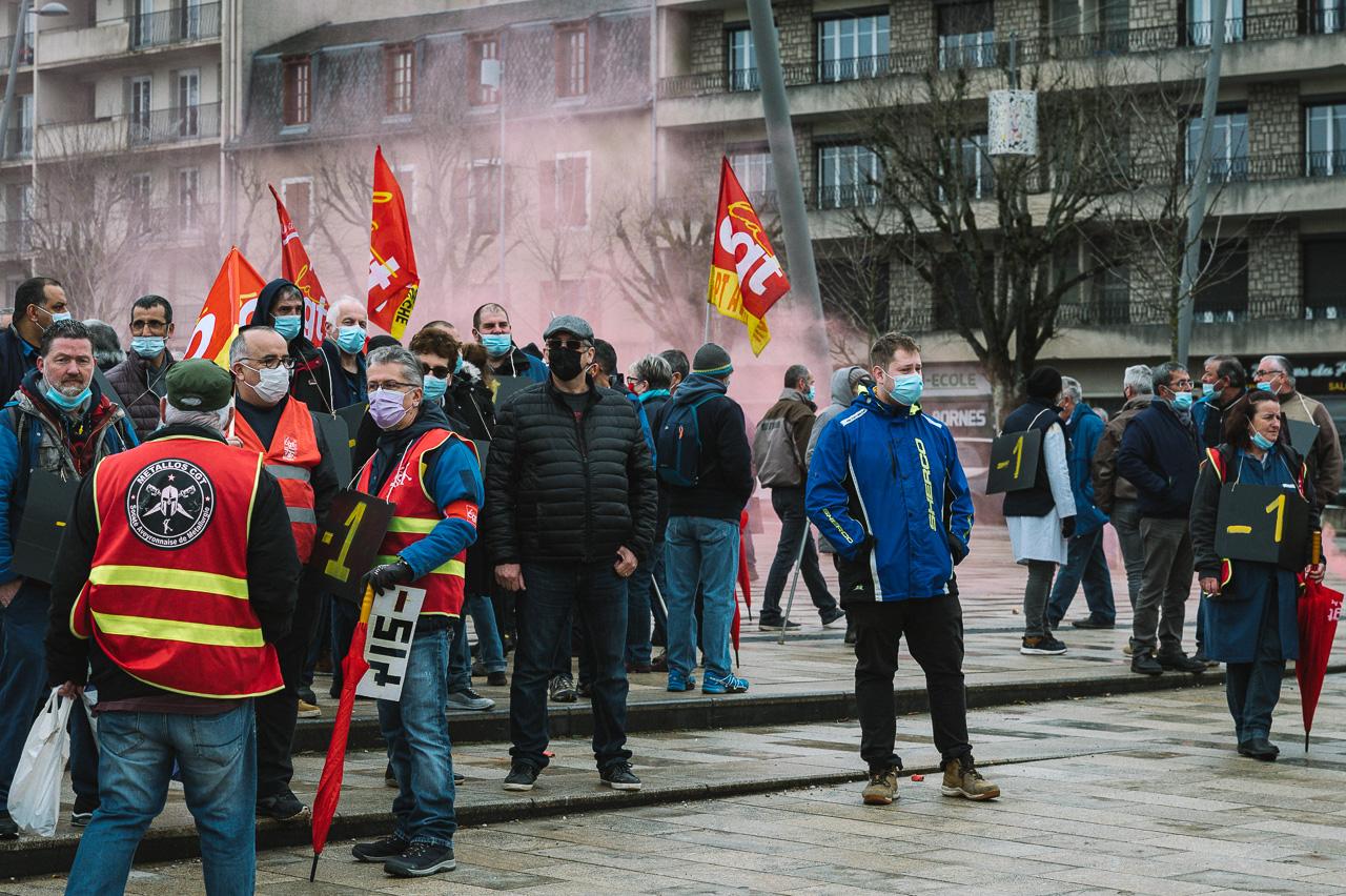 Manifestation des salariés de la SAM Technologies à Rodez